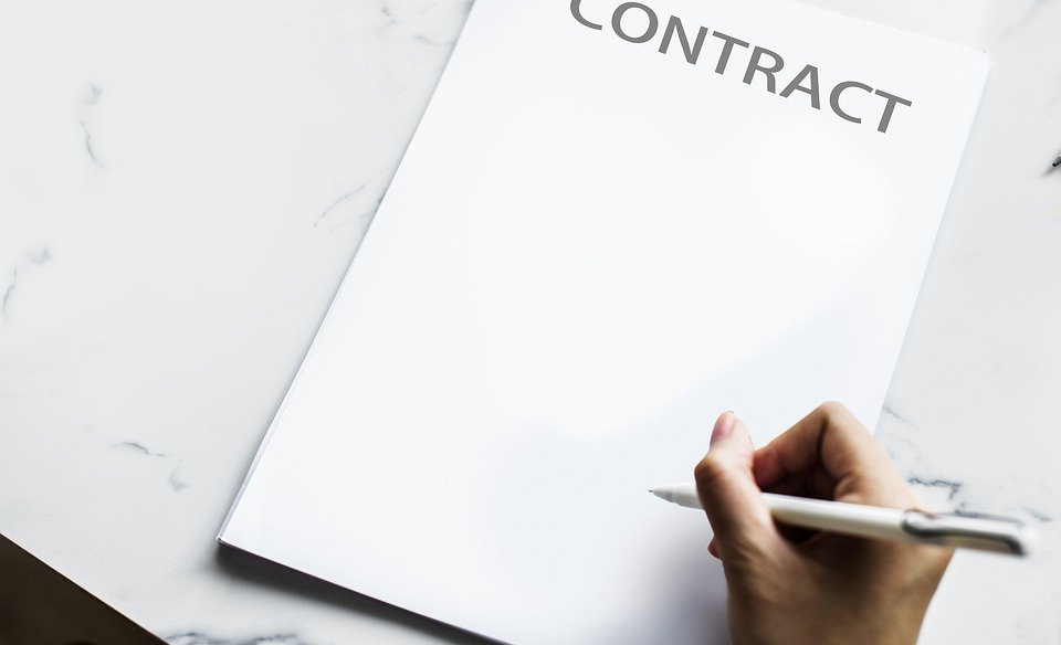 4 Notes For Hiring A Lawyer To Draft a Contract in Vietnam